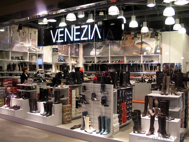 Модная Одежда И Обувь В Венеции
